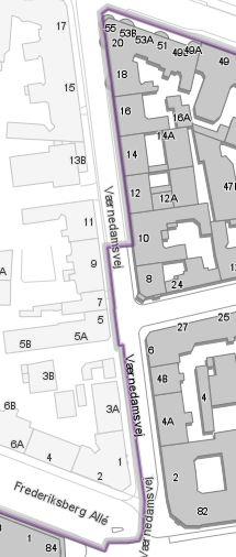 Værnedamsvej danner i grænsen mellem Københavns og Frederiksberg kommuner. Grænsen går dog ikke midt i vejen med forskudt, så den på den sydlige del ligger på vestsiden og på nordlige på østsiden.