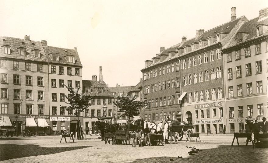 Hausers Plads 1901 - Foto Fritz Benzen (Original i Københavns Museum)