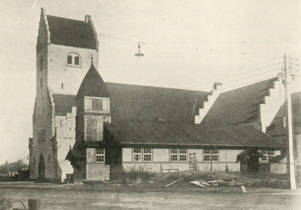 Fillips kirke under opførelse ca 1920 (fra En Forstadsmenighed gennem 25 Aar)
