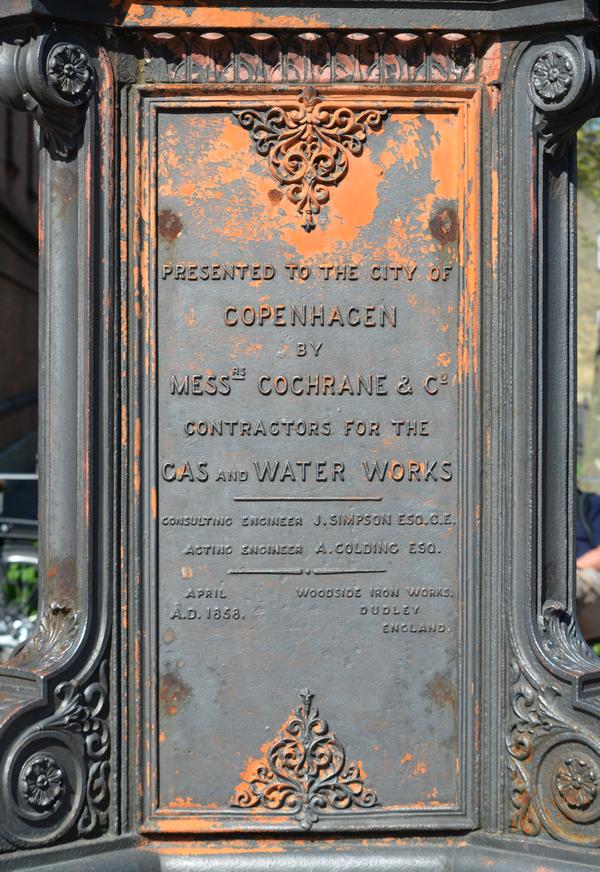 Gaslygte opstillet af det engelske firma Colchrane & Co.