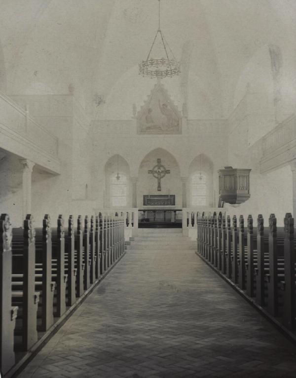 Mariakirken - interiør. Foto af Christian Christensen. (Det Kgl. Bibliotek)