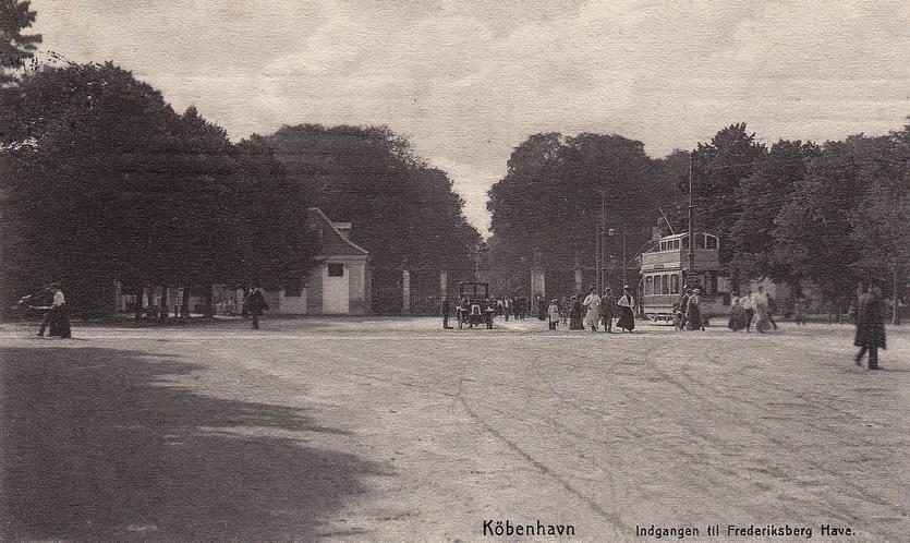 Helt tilbage fra 1863 kunne man køre med sporvognen fra Sankt Annæ Plads i København til Frederiksberg Runddel.
