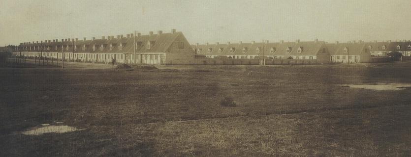 Bakkehusene kort efter opførelsen. 1923. (Det Kgl. Bibliotek)
