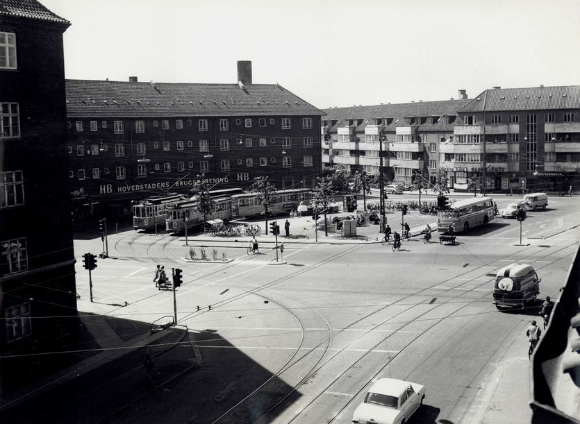 Mozarts Plads 1962. Foto af Mogens Falk-Sørensen, Stadsarkivets fotografiske Atelier (Københavns Stadsarkiv)